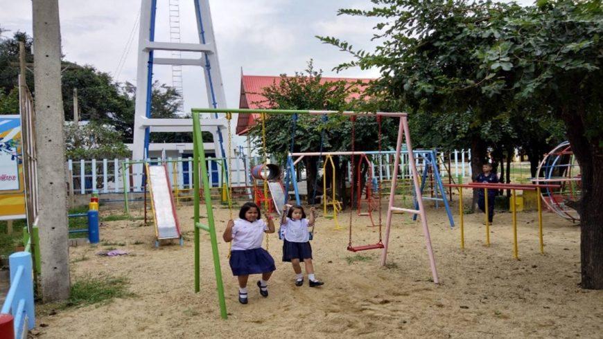 ปรับปรุงสนามเด็กเล่น โรงเรียนวัดท่าเหว สิงหาคม 2560